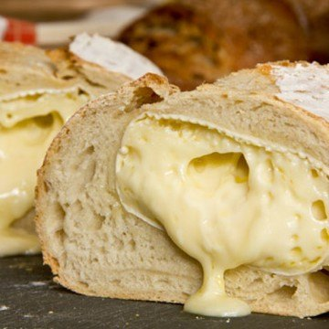Rezept Weißbrot mit Camembert-Füllung