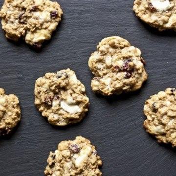 Rezept Weisse Schokolade und Beeren Hafer Cookies