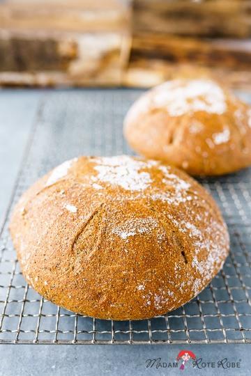 Rezept Weizenvollkornbrot mit Mohn – das ist Glück im Kleinen