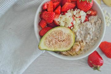 Rezept White Chocolate Porridge mit Feigen