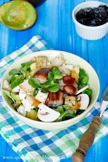 Rezept Wintersalat mit getrockneten Pflaumen im Speckmantel