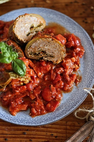 Rezept Wirsingrouladen mit pikanter Tomatensauce