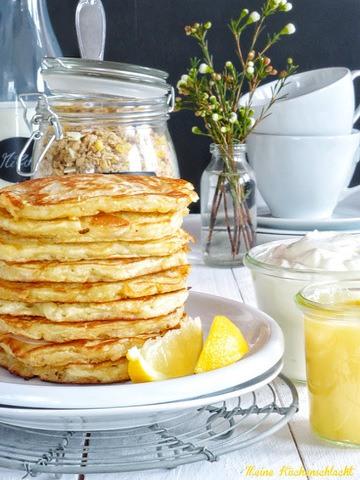 Rezept Zitronen Müsli Pancakes mit Ei freiem Lemon Curd