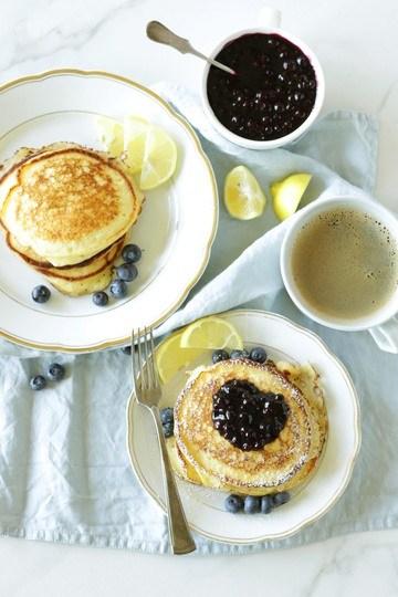 Rezept Zitronen-Ricotta Pancakes mit Heidelbeersauce
