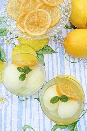Rezept Zitronensorbet mit Limoncello und kandierter Zitrone