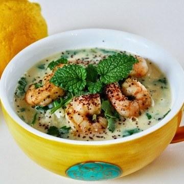 Rezept Zitronensuppe mit Reis und Garnelen