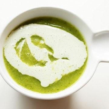 Rezept Zucchini-Curry-Matcha-Creme-Süppchen