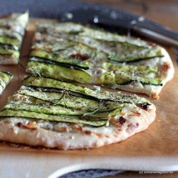 Rezept Zucchini-Flatbread mit Ziegenfrischkäse