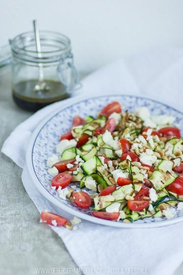 Rezept Zucchini-Salat zum Grillen