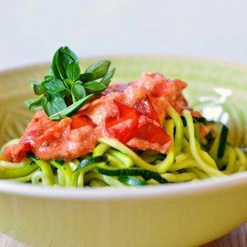 Rezept Zucchini-Spaghetti mit Tomaten-Ricotta-Soße