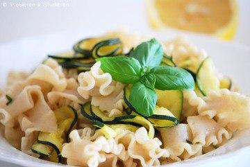 Rezept Zucchini Zitronen Pasta mit Basilikum