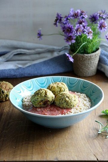 Rezept Zucchinibällchen in Tomatensosse