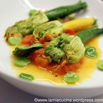Rezept Zucchiniblüten, gefüllt mit Favebohnenpüree