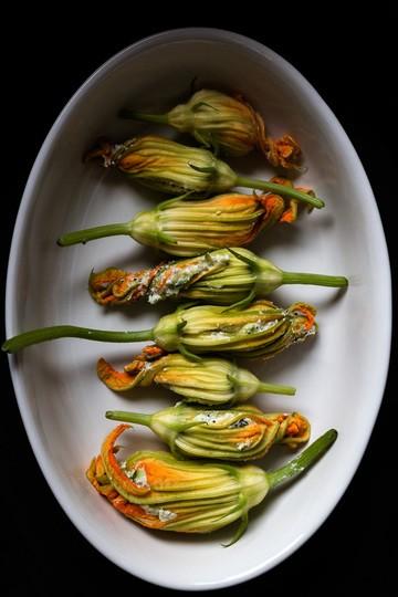 Rezept Zucchiniblüten mit Ricotta-Pinienkern-Mohn-Füllung