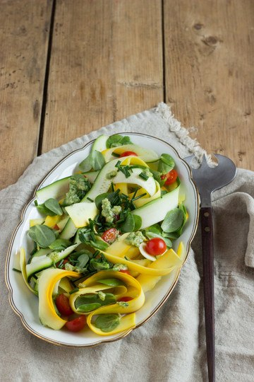 Rezept Zucchinisalat mit Portulak und Zucchinihummus