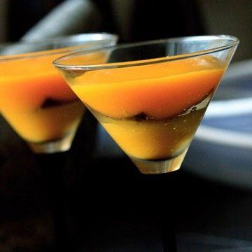 Rezept Zweierlei von der Mango mit schwarzem Pfannkuchen