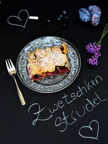 Rezept Zwetschkenstrudel mit Heidelbeeren