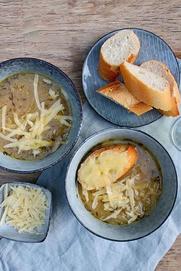 Rezept Zwiebelsuppe mit Greyerzer und Riesling