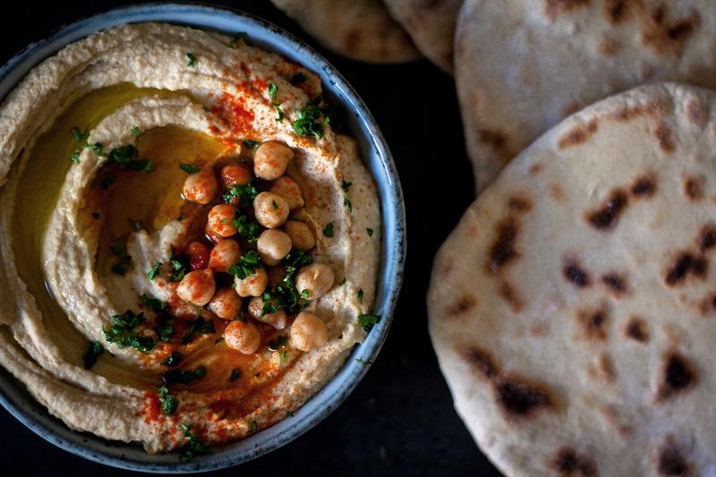Rezept 5-Zutaten-Hummus mit Pfannenbrot