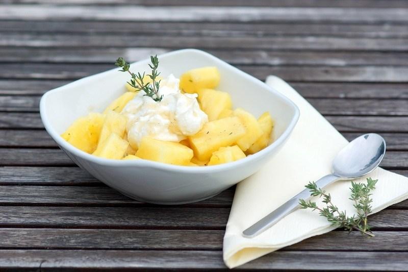 Rezept Ananas mit Ricotta und Thymianhonig