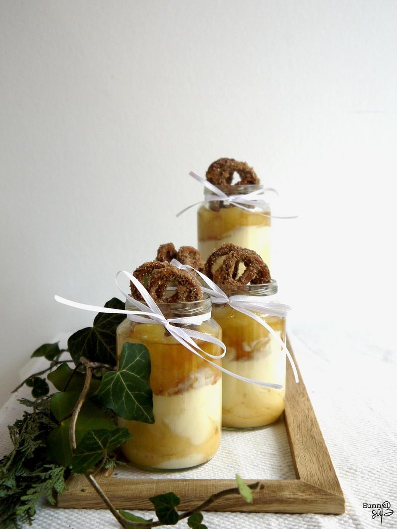 Rezept Apfel-Chai Dessert, mit Vanillequark und süßen Salzbrezn