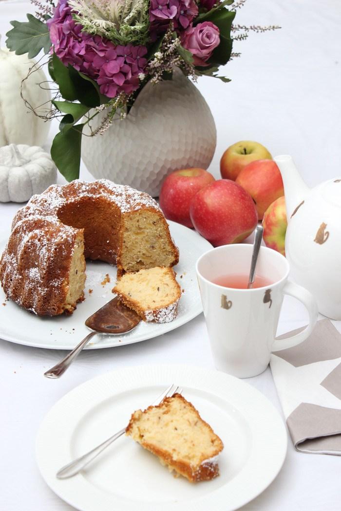 Rezept Apfel-Gugelhupf – saftig und fruchtig | Low Carb und Glutenfrei