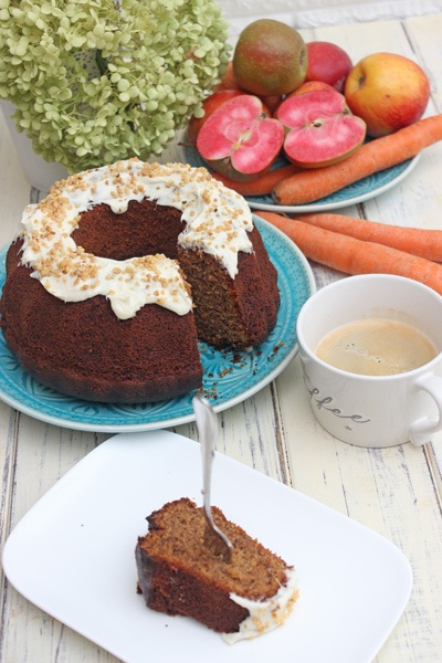 Rezept Apfel-Karotten-Schokoladen-Gugelhupf   Schnell und Einfach gemacht