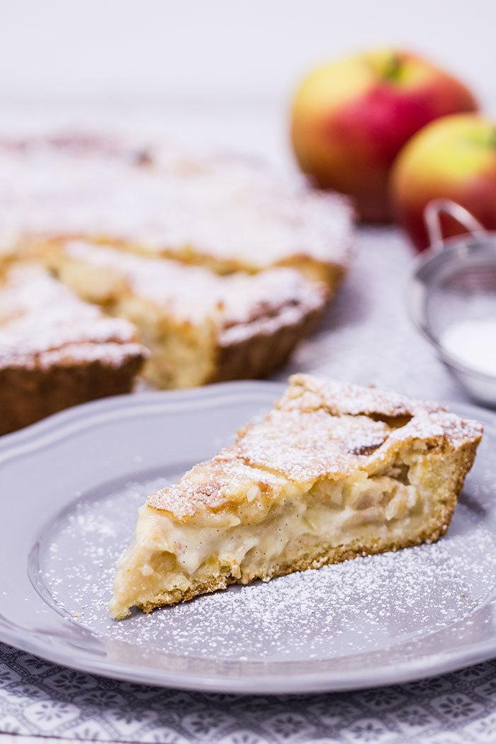 Rezept Apfelkuchen mit Mandel-Marzipan-Decke