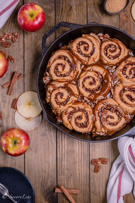 Rezept Apple Pecan Caramel Sticky Buns