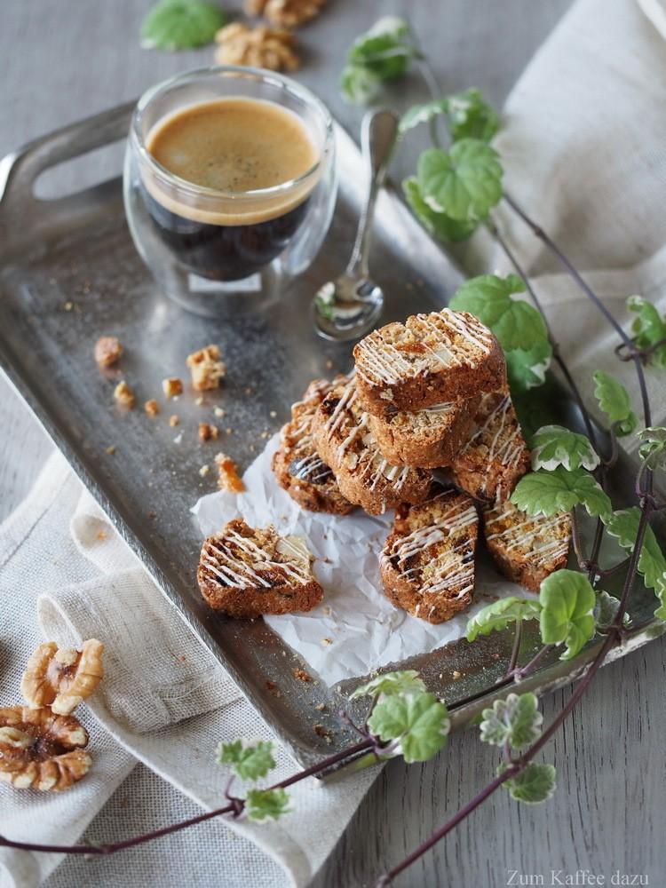 Rezept Aprikosen-Walnuss-Cantuccini mit Tonkabohne