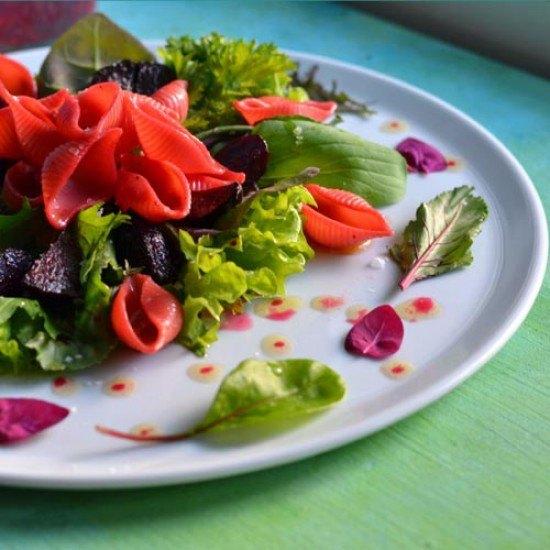 Rezept Asia Blattsalat mit Pasta und Rote Bete