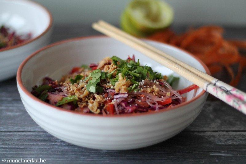 Rezept Asiatischer Glasnudelsalat mit Chili Limetten Dressing