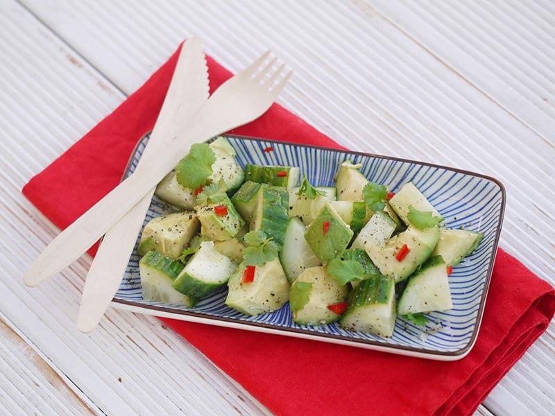 Rezept Avocado-Gurken-Salat mit Chili-Kick
