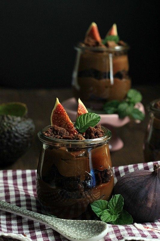 Rezept Avocado-Schokoladenmousse mit Brownies und Feigen