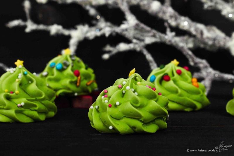 Rezept Baiser Weihnachtsbäume – knusprige, bunte Tannen