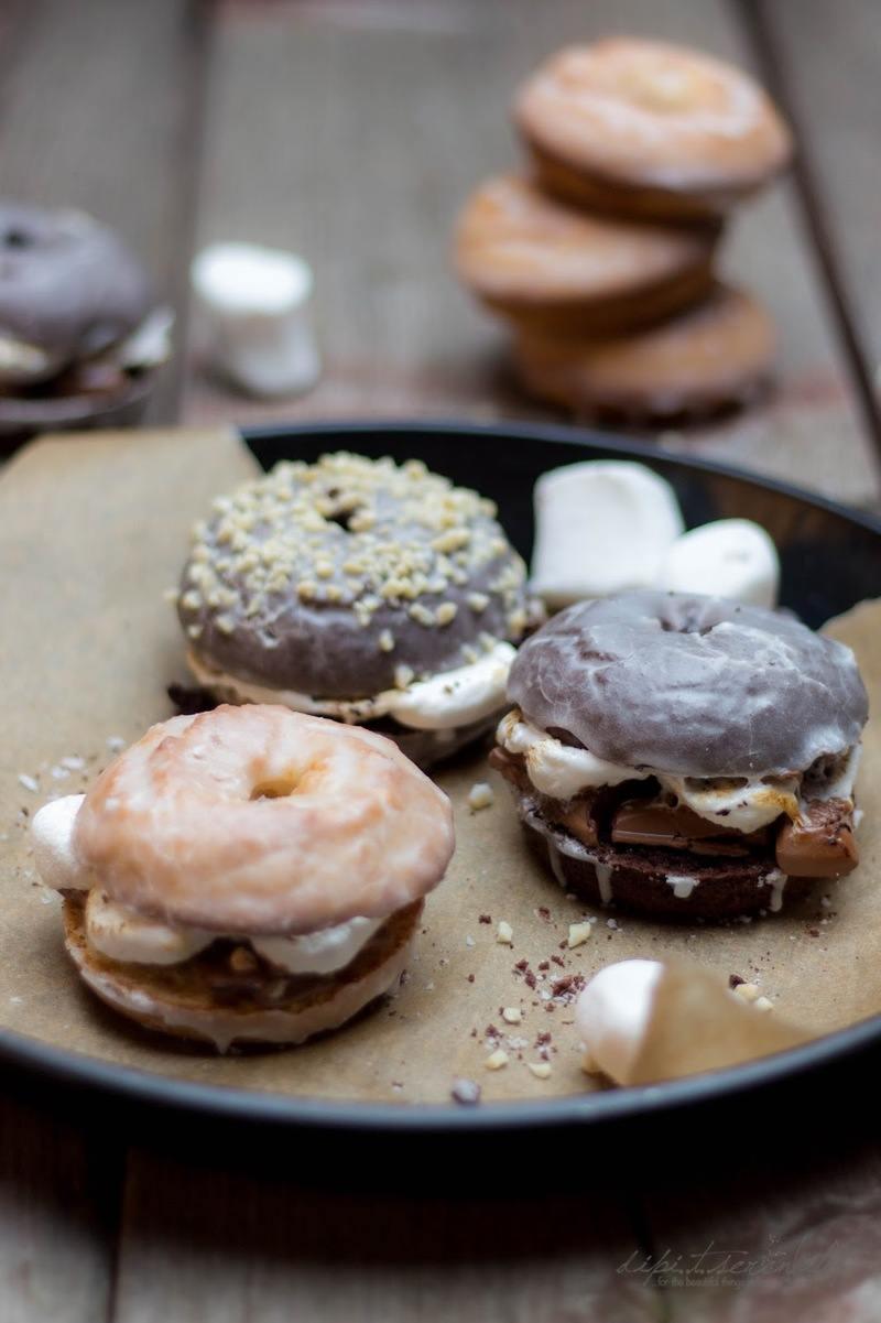 Rezept Baked S'more Donut Sandwiches