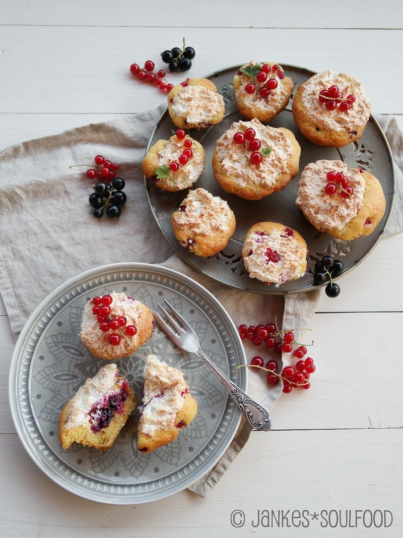 Rezept Beerenkuchen mit Kokos-Baiser