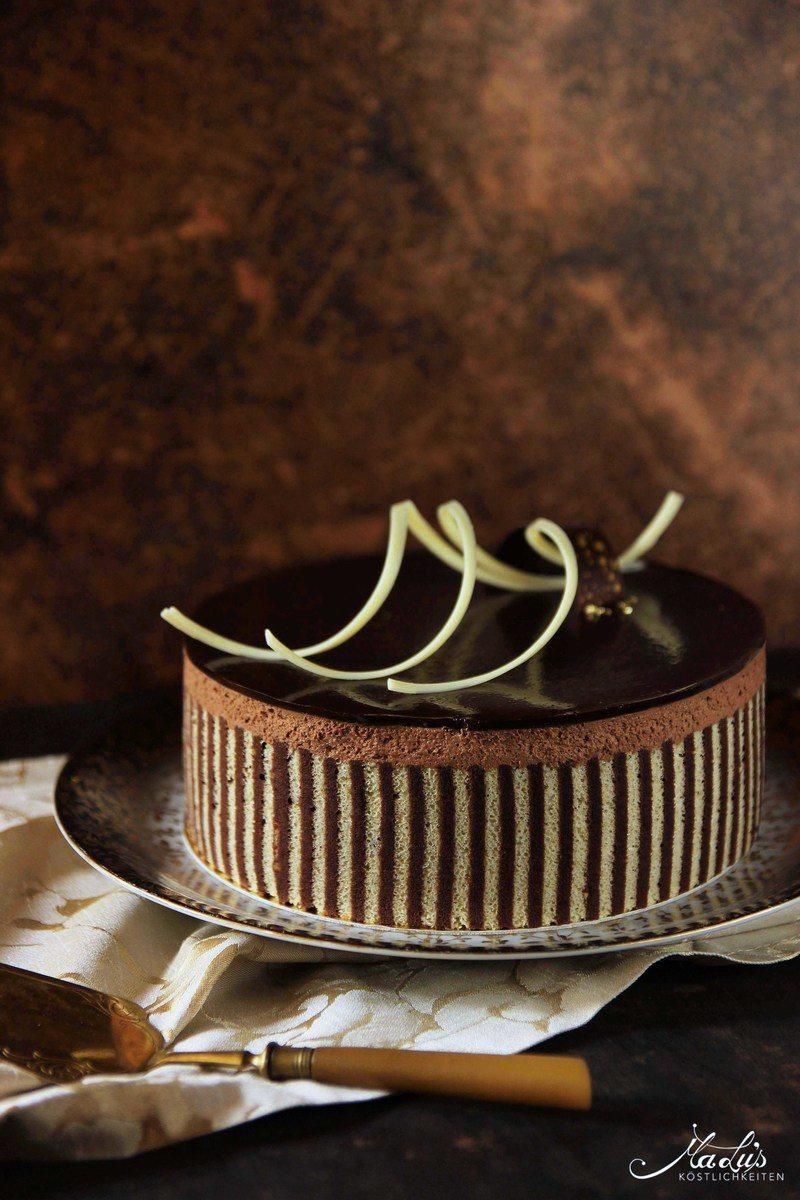 Rezept Beschwipste Schokoladentorte mit Dekorbiskuit