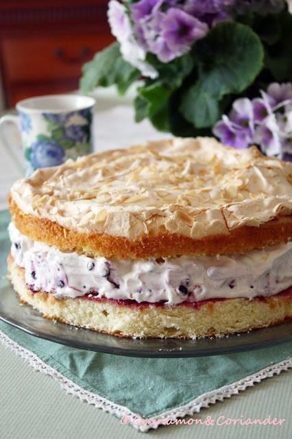 Rezept Blaubeer Schmand Torte mit Mandel Baiser
