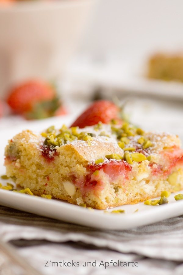 Rezept Blondies mit Erdbeeren und Pistazien
