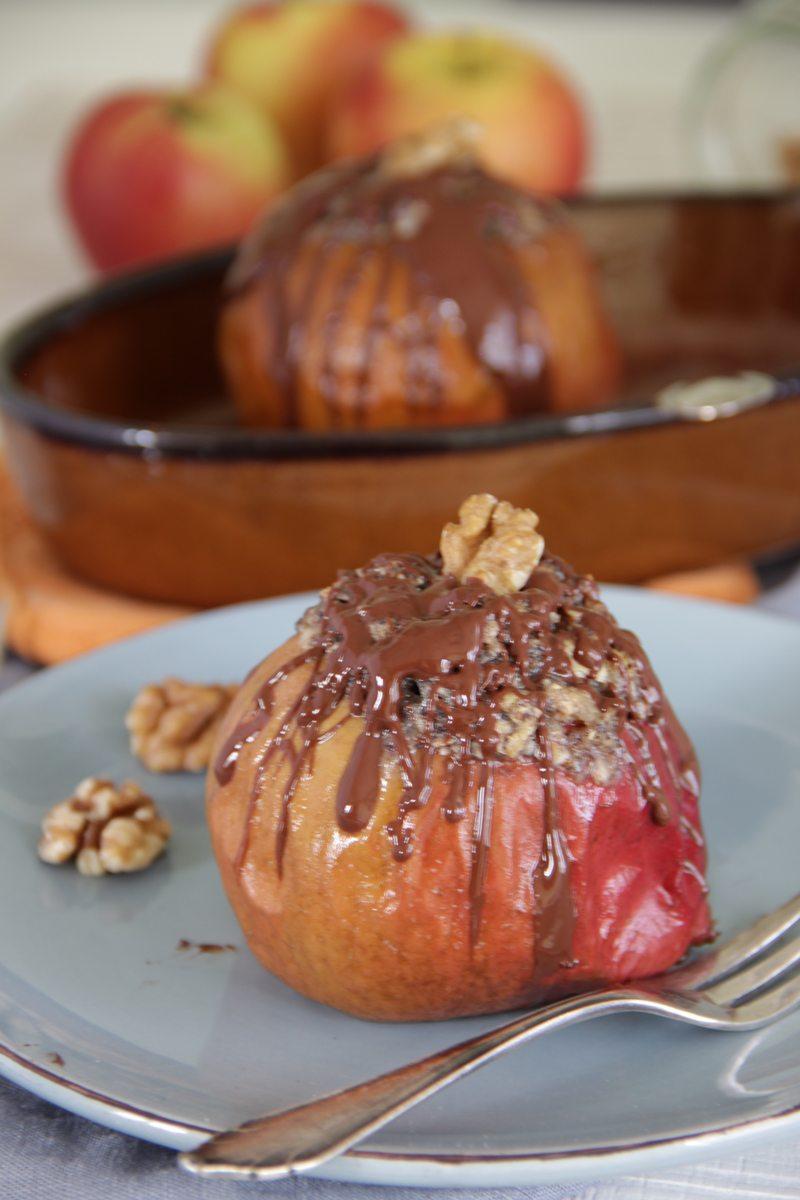 Rezept Bratapfel mit weißer Schoki-Mohn-Füllung