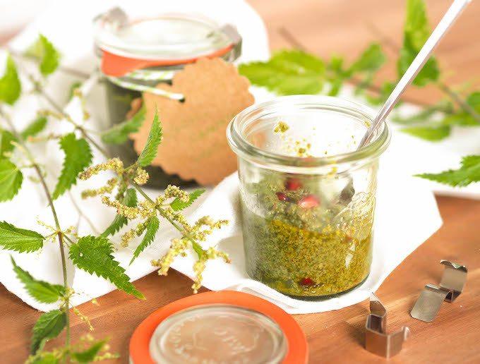 Rezept Brennnessel Pesto mit Granatapfel