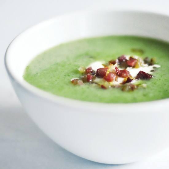 Rezept Brokkolisuppe mit Schinken und Zwiebeln
