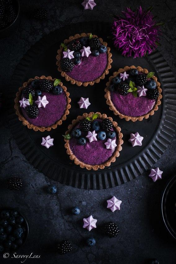 Rezept Brombeer-Joghurt-Tartelettes mit Baiser-Tuffs