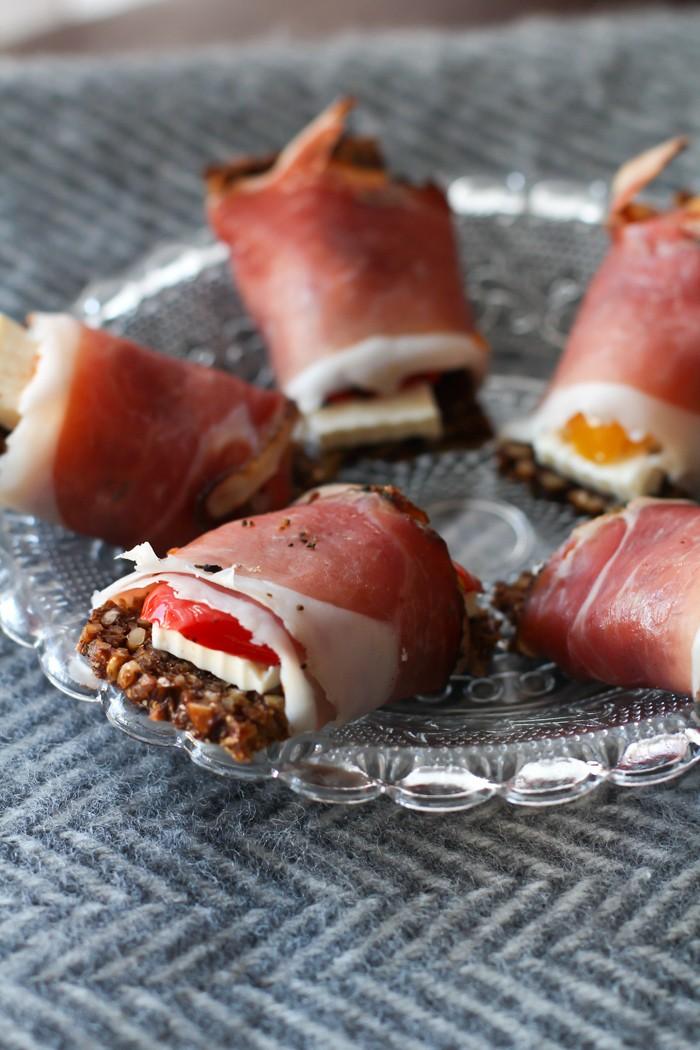 Rezept Brotpralinen Schwarzwälder Schinken mit Feta und gegrillter Paprika