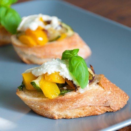 Rezept Bruschetta mit Paprika und Zucchini