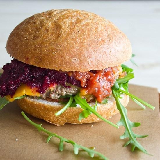 Rezept Burger mit Rote Beete Relish und Homemade Ketchup