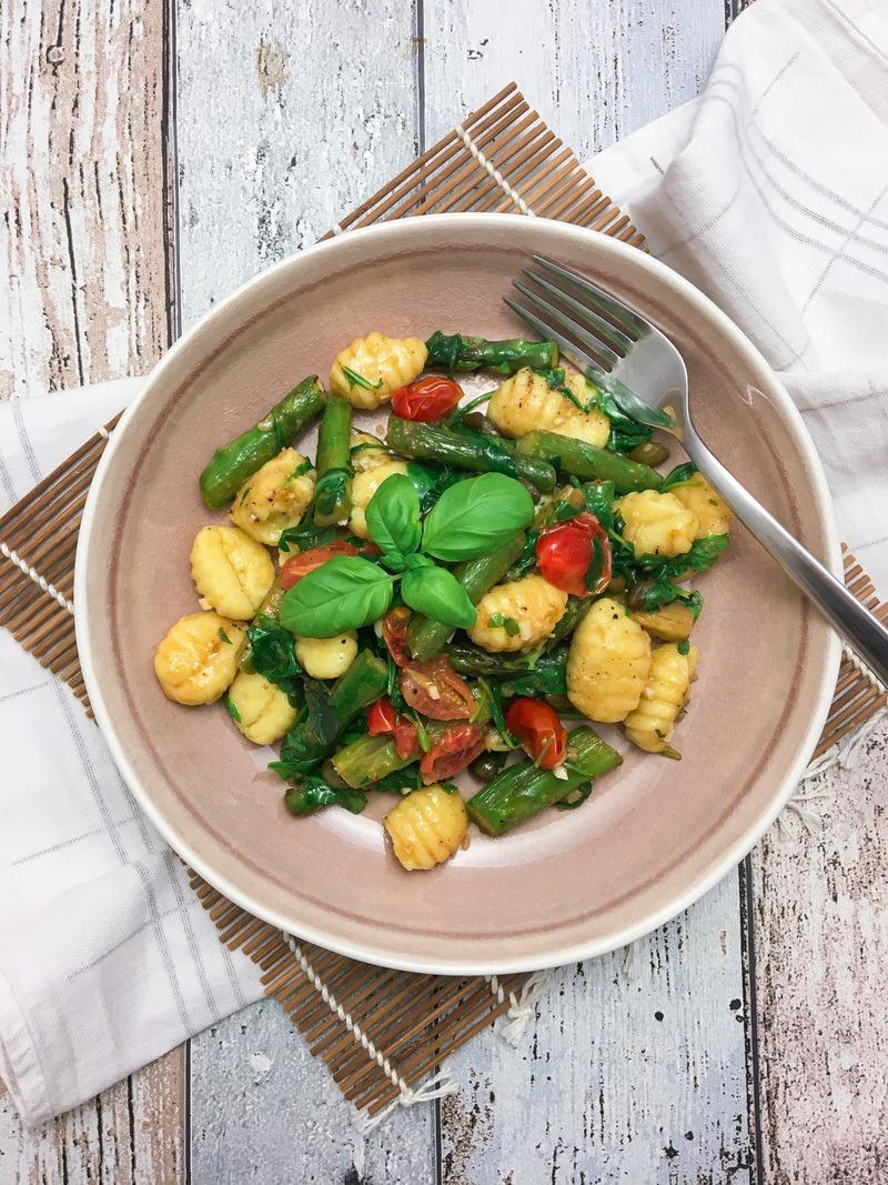 Rezept Butter Gnocchi mit grünem Spargel und Rucola