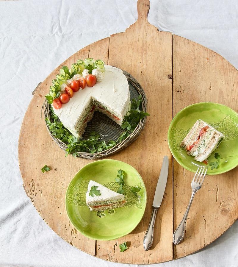 Rezept Cake-Morgh - Sandwichtorte mit Hühnchenaufstrich für deine WM-Party