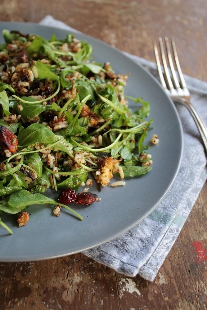 Rezept Canihua-Reisssalat mit Rucola, Cranberries und Walnüssen